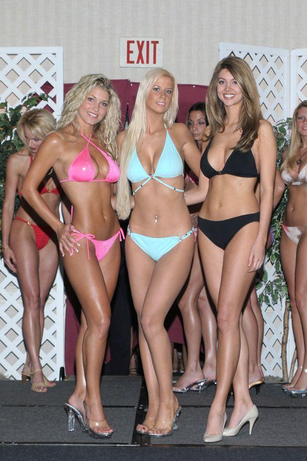 3f8dae1abdb 2004 Venus Bikini Contest Photo's